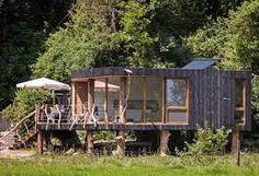 Resultado de imagem para casa de campo rustica com varanda