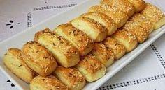 Fél óra alatt elkészítheted ezt a sajtos rudat! - Kárpát Magazin Homemade Crackers, Savory Pastry, Salty Snacks, Hungarian Recipes, Bakery, Food Porn, Food And Drink, Healthy Eating, Appetizers