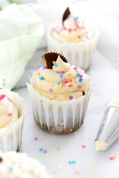 Banana Cupcakes with Peanut Butter Buttercream. Moist, delicious banana cupcakes and a swirl of peanut butter buttercream. Gourmet Cupcakes, Cupcake Recipes, Cookie Recipes, Dessert Recipes, Peanut Butter Frosting, Creamy Peanut Butter, Banana Cupcakes, Mocha Cupcakes, Strawberry Cupcakes