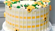 Credit: @eatmesweets Cake Icing, Buttercream Cake, Dessert Decoration, Cake Decorations, Sugar Dough, Striped Cake, Cake Decorating Videos, Cake Creations, Yummy Cakes