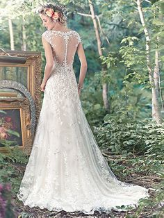 2016 Wedding Dress Trends: Cap Sleeves. Tami by Maggie Sottero.