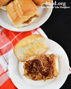Crockpot BBQ Pulled Pork Sandwiches