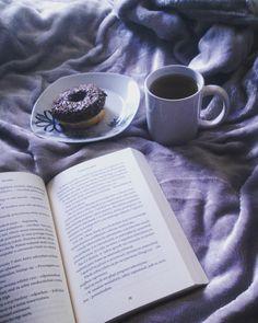 Bom dia! :) Credits to @bagwithbooks  #bookworm #goodreads #bookgram #book #livros #literatura #instabook