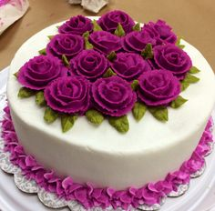Come learn how to decorate Cakes with Buttercream side designs and roses.