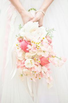 Romantisch bruidsboeket in licht roze