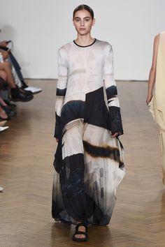 Pringle of Scotland Spring 2018 Ready-to-Wear  Fashion Show - Romy Schonberger