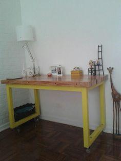 Mesa-escrivaninha