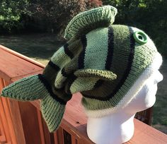 Knitting and crochet patterns for children babies women men teens and adults Vogue Knitting, Loom Knitting, Baby Knitting, Crochet Fish, Knit Crochet, Crochet Hats, Crochet Animal Hats, Knitted Hats, Easy Knitting Patterns