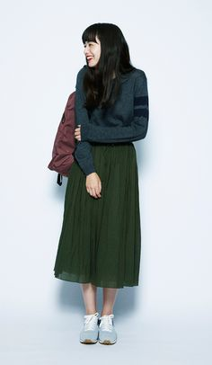 Everyday outfits recommended by stylists.Mahogany x Gray x Dark Green for an in-season feel. The composed look is finished off with a mature sporty-mix style. Japanese Fashion, Asian Fashion, Fashion Beauty, Girl Fashion, Fashion Outfits, Womens Fashion, Fashion Tips, Fashion Trends, Fashion Shoes
