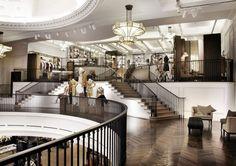 Burberry abre tienda en Londres: su tienda más grande en el mundo