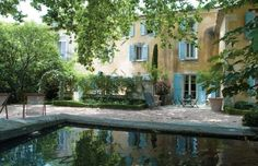 Les Maisons de Baumanière : 5 star Relais & Châteaux Hotels, gastronomic and gourmet Restaurants and a Spa in Provence and in the Drome region - France Restaurants Gastronomiques, Spa Luxe, Chateau Hotel, French Country House, Country Homes, Hotel Bed, Italian Villa, Garden Pool, Patio