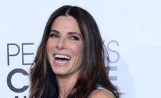 Actress Sandra Bullock attends The 40th Annual People's Choice Awards at Nokia Theatre in Los Angeles on January 8, 2014..jpg (480×291)
