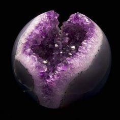 Ametista a pedra espiritual cheia de energias vitais