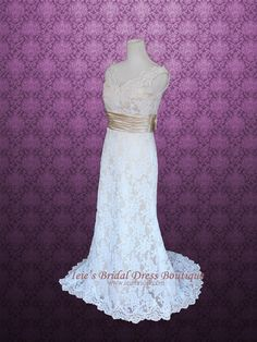 Vintage Slim A-line Lace V Neck Lace Wedding Dress | Monica