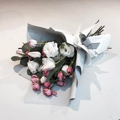 . . #삥크꼬따발 . . 신혼집 집들이 선물로  수연앙 선물 잘해  . . #Order Katalk ID vaness52 WeChat ID vaness-flower E-mail vanessflower@naver.com 강남구 신사동 515-2 02-545-6813 . #vanessflower #flower #florist #flowershop #handtied #flowerlesson #flowerclass #플라워 #바네스플라워 #플라워카페 #플로리스트 #꽃다발 #부케 #원데이클래스 #플로리스트학원 #신사동꽃집 #가로수길꽃집 #플라워레슨 #플라워아카데미 #꽃수업 #꽃주문 #花 #花艺师 #花卉研究者 #花店 #花艺