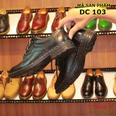 Giày nam đẹp ở tpHCM  Mua giày nam uy tín giá rẻ | Giày Guva  Giày Guva  giày nam đẹp ở tpHCM làm từ da bò vô cùng lịch lãm & cá tính : Thu hút mọi ánh nhìn  Một siêu phẩm của năm 2017 .  http://guva.vn/giay-da-nam/giay-doctor-dr-207i Với thiết kế đặc trưng của dòng DR ( đế cứng  đế vừađế mềm )  . Với DR 207i giày nam đẹp ở tp HCM sẽ mang đến một vẻ ngoài trẻ trung và năng động cho riêng bạn.  Các đường nét được trang trí đơn giản nhưng mang lại điểm nhấn. Và thu hút ánh nhìn từ những người…
