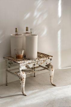 Wine Bottle Cooler on rustic metal step-stool Interior Blogs, Interior Inspiration, Interior Design, Daily Inspiration, Salvaged Furniture, Rattan Furniture, Industrial Furniture, Metal Step Stool, Metal Steps
