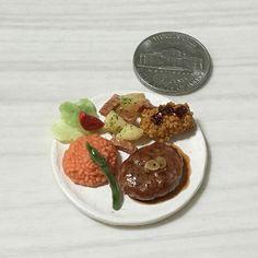#おとな様ランチ #ハンバーグ #ケチャップライス #クリームコロッケ #ジャーマンポテト #アスパラのソテー #サラダ  #hamburgsteak #ketchuprice #creamcroquette #germanpotato #asparagus #salad  #handmade #claywork #miniature #fakefood