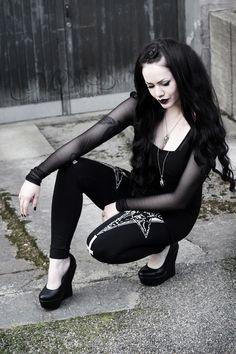 Alternative fashion and inspiration Gothic Mode, Gothic Lolita, Gothic 1, Alternative Mode, Alternative Fashion, Goth Beauty, Dark Beauty, Tribal Fusion, Dark Fashion