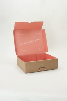 A Gorgeous Goodie Box That Makes You Feel Better During Your Period - DesignTAXI.com