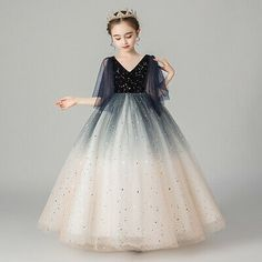 Do you guys like this v-collar princess dress? Kids Maxi Dresses, Dresses Kids Girl, Pageant Dresses, Girl Outfits, Quince Dresses, 15 Dresses, Frocks For Girls, Gowns For Girls, Princess Ball Gowns