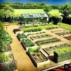 39 Ways You Can Make Extra Money While Homesteading or Farming - Pflanzideen Veg Garden, Vegetable Garden Design, Garden Cottage, Potager Garden, Plan Potager, Garden Farm, Asian Garden, Home Garden Design, Garden Beds