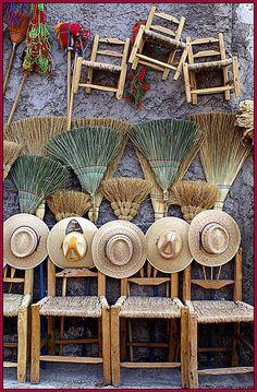Arte de palma y madera, Sombreros, Escobas y Sillas