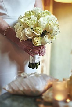 White shades bouquet