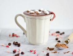 Κρύο, καιρός για ζεστή σοκολάτα: 4 συνταγές με απίθανη γεύση!