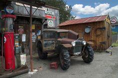 Galvin Gas Station by akameus ( Randy Kosek ), via Flickr