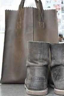 grey leather bag and boots Fashion Bags, Fashion Shoes, Fashion Accessories, Womens Fashion, Nike Internationalist, Shoe Boots, Shoes Heels, Shoe Bag, Mode Style