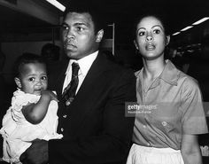 the-american-boxer-muhammad-ali-alias-cassius-clay-with-his-wife-and-picture-id104404672 (1024×805)