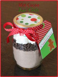 DIY Christmas Hot Cocoa Jar Gifts but add a mini bottle of baileys on the side :) Christmas Mason Jars, Noel Christmas, Homemade Christmas, Christmas Ideas, Christmas Crafts, Diy Christmas Jar Gifts, Office Christmas, Diy Holiday Gifts, Holiday Treats