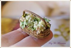 Tiny Ter Miniatures basket of grapes <3