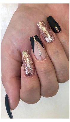 Acrylic Nail Designs Glitter, Gold Nail Designs, Bling Acrylic Nails, Acrylic Nails Coffin Short, Nails Design With Rhinestones, Gold Glitter Nails, Sparkle Nails, Glam Nails, Best Acrylic Nails