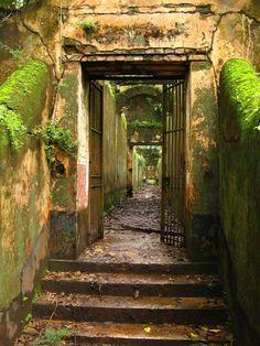 Devil's Island, een verlaten gevangenis in Frans Guinea