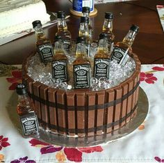 diy birthday cake for men husband Jack Daniels KitKat barrel cake Jack Daniels Torte, Festa Jack Daniels, Jack Daniels Birthday, Jack Daniels Cupcakes, Jack Daniels Gifts, Birthday Cake For Him, Birthday Cakes For Men, 50th Birthday, 21st Birthday Ideas For Guys