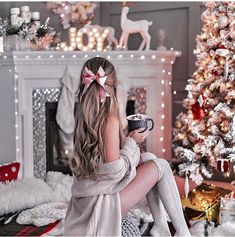New Year as an opportunity to start a new life - Weihnachtszeit - Yorgo Cozy Christmas, Christmas Photos, Christmas Time, Xmas, Tumblr Christmas Pictures, Beautiful Christmas, Christmas Chair, Cute Christmas Outfits, Christmas Pajamas