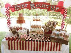 Una estupenda mesa de dulces para una fiesta Circo o Carnaval / An excellent sweet table for a Circus or Carnaval party