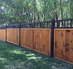 Inspiring Cheap Backyard Privacy Fence Design Ideas - Page 70 of 84 Cheap Privacy Fence, Privacy Fence Designs, Backyard Privacy, Backyard Fences, Garden Fencing, Backyard Landscaping, Diy Fence, Garden Privacy, Landscaping Ideas