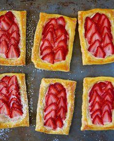 Five-Ingredient Strawberry Breakfast Pastries Cream Cheese Breakfast, Breakfast Pastries, Puff Pastries, Brunch Recipes, Breakfast Recipes, Dessert Recipes, Dessert Ideas, Breakfast Cooking, Homemade Breakfast