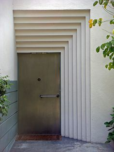 757 Kingman Ave - Dolores Dell Rio House - Cedric Gibbons (E) This is the house I restored! Modern Entrance Door, Entrance Doors, Doorway, Grand Entrance, Front Doors, Architecture Details, Interior Architecture, Interior And Exterior, Interior Design