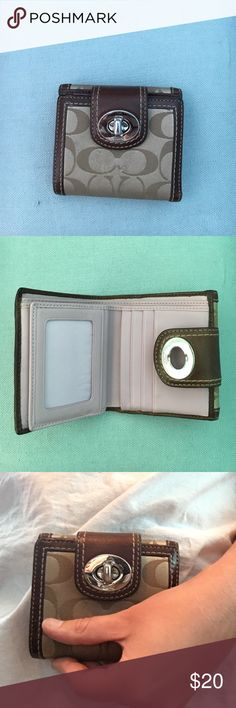 COACH wallet COACH wallet; great condition. Only dirty in change compartment Coach Accessories