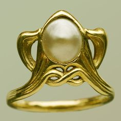 Édouard Colonna (1862-1948) (Attributed) - Art Nouveau Ring. Gold and Pearl. Circa 1900 | JV