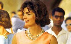 Jacqueline Lee Bouvier Kennedy Onassis (1929. július 28. – 1994. május 19.) John Fitzgerald Kennedy, az Amerikai Egyesült Államok 35. elnökének a felesége.