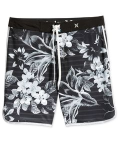 For a fresh surf style that's sure to get noticed, choose these Phantom Lark boardshorts from Hurley, featuring water-repellent stretch fabric and an attractive, allover stripe- and floral-print desig Streetwear Shorts, H M Men, Steampunk Men, Surf Wear, Mens Boardshorts, Surf Style, Swim Shorts, Summer Shorts, Man Swimming