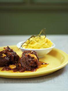 Μοσχάρι Archives - www.olivemagazine.gr Types Of Food, Food Porn, Beef, Recipes, Meat, Recipies, Ox, Ripped Recipes, Ground Beef