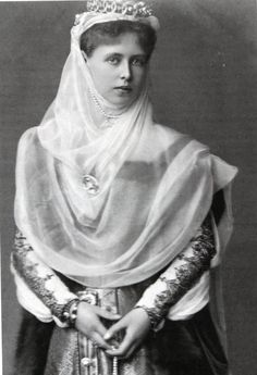 Princess Marie of Edinburgh later Queen Marie of Romania ( 29 October 1875 to 18 July after marrying King Ferdinand I of Romania on the January 1893 Royal Tiaras, Royal Jewels, Tiaras And Crowns, Princess Victoria, Queen Victoria, Romanian Royal Family, Princess Alexandra, English Royalty, Kaiser