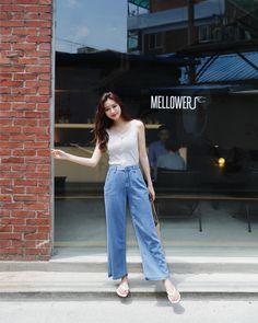 2018 fashion trends and style Korea Fashion, Asian Fashion, 90s Fashion, Girl Fashion, Fashion Outfits, Fashion Trends, Basic Outfits, Korean Outfits, Casual Outfits