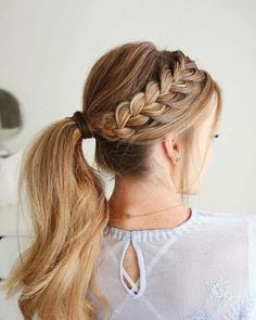 Side braid hairstyles are the beautiful and sexy hairstyle. If you're looking for an appropriate way to make your hair look more vibrant, side braid hairstyle is your best choice. Traditional braided hairstyle, all the beauty is at the back, so side Teen Girl Hairstyles, Cute Hairstyles For Teens, Cute Hairstyles For Medium Hair, Side Braid Hairstyles, Trendy Hairstyles, Medium Hair Styles, Short Hair Styles, Fashion Hairstyles, Side Braid Ponytail